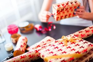 How to Get Through the Holidays With Your Credit Intact